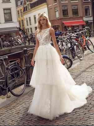 Dresses Modeca